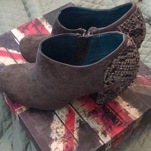 Shoes - London Rebel booties